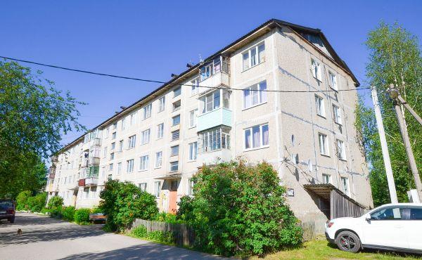 Трехкомнатная квартира в районе железнодорожного вокзала г. Волоколамска