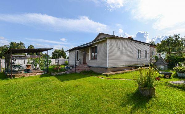 Жилой дом (часть) в деревне Стеблево Волоколамского района