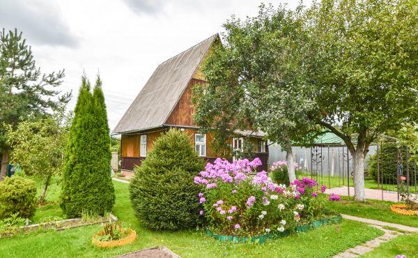 Дачный дом с баней в СНТ