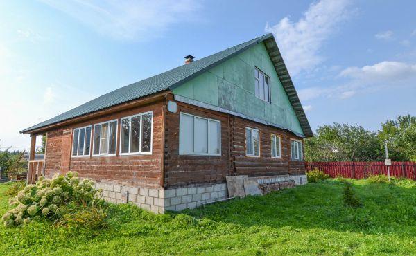 Жилой дом в деревне Холмец